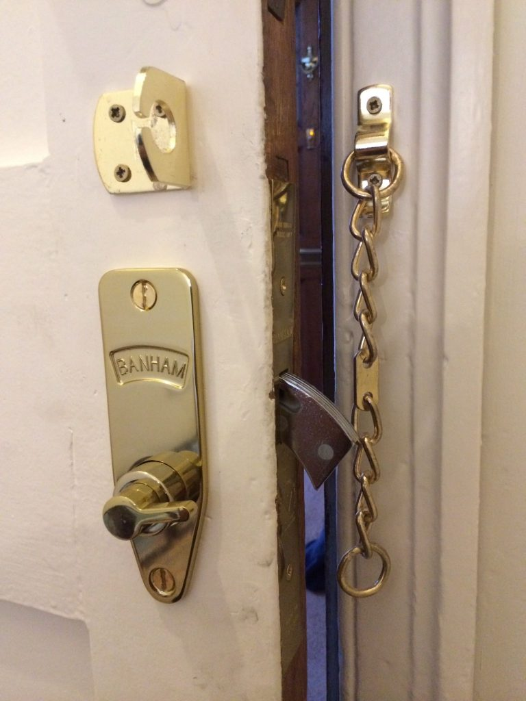 Locksmith Near Me 24h Locked Out Assistance London NW Locksmith