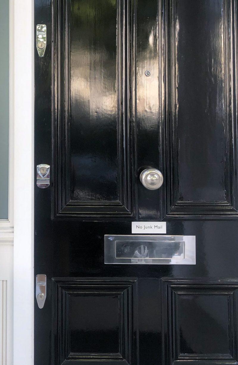 Locksmith Kensington W8 London banham locks