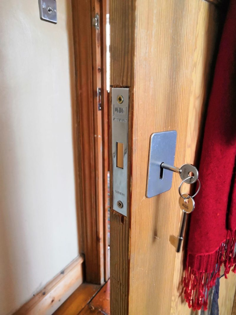locksmith notting hill w11 lock installation nw locksmith